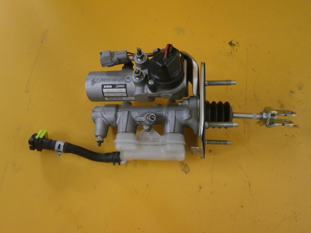 lexus ls600h ls 07- насос тормозной цилиндр 138110-10440