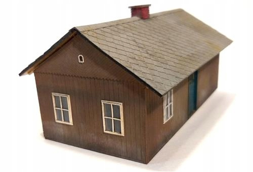 Chałupa dom drewniany H0