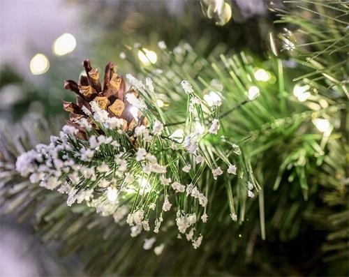 Umelý DIAMANTOVÝ PINE STROM 220 cm + STOJAN Kód výrobcu Krásny vianočný stromček