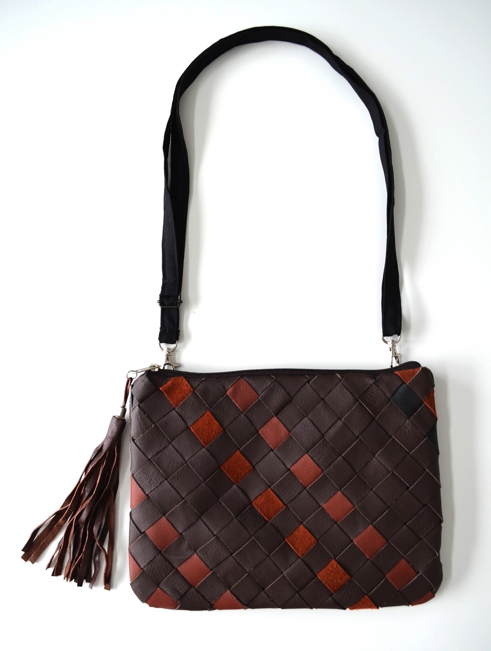 VINTAGE kožené pletená spojka taška s fringe