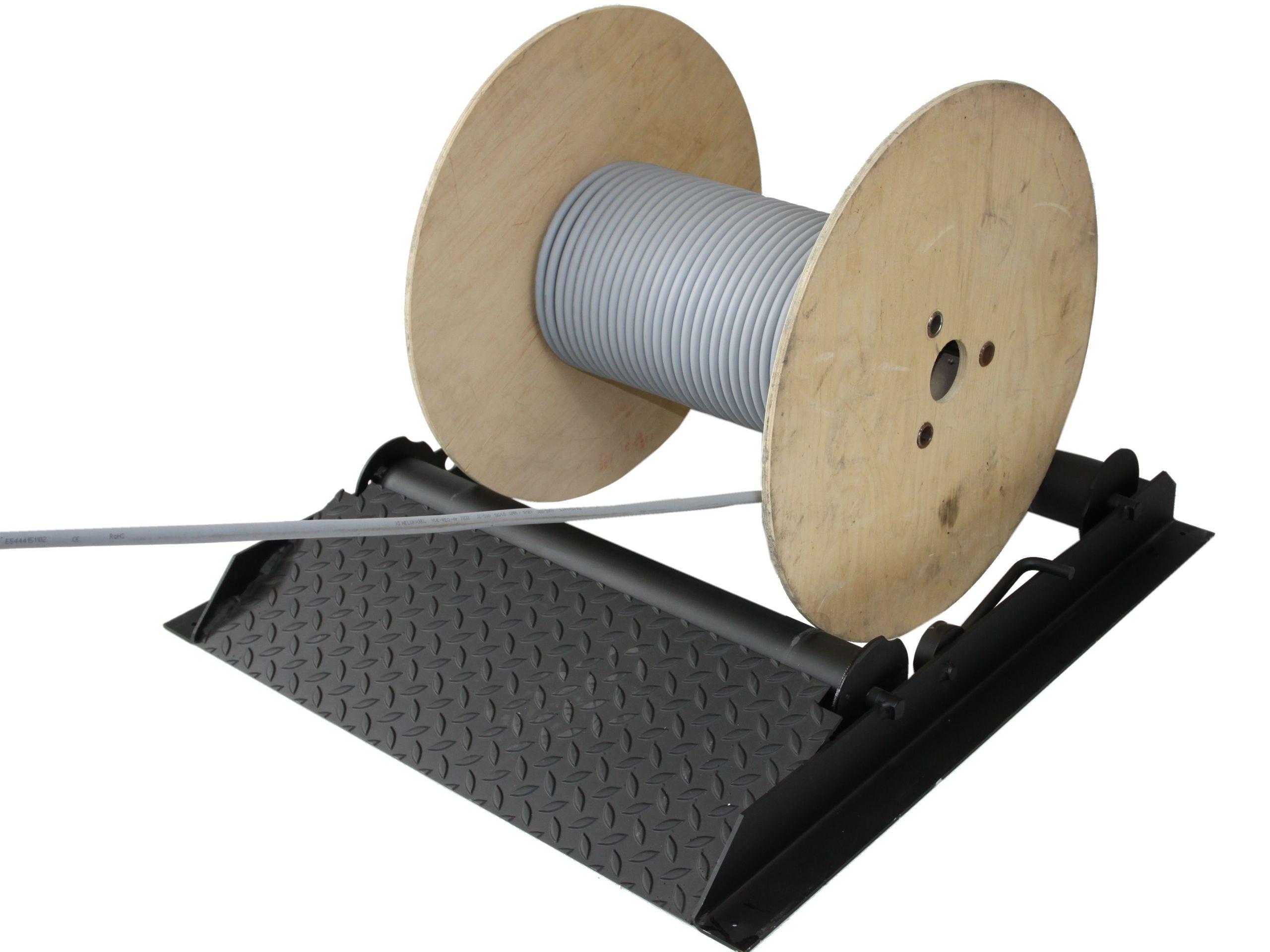 Likvidácia káblových bubnov 800 kg Odvíjanie cievky
