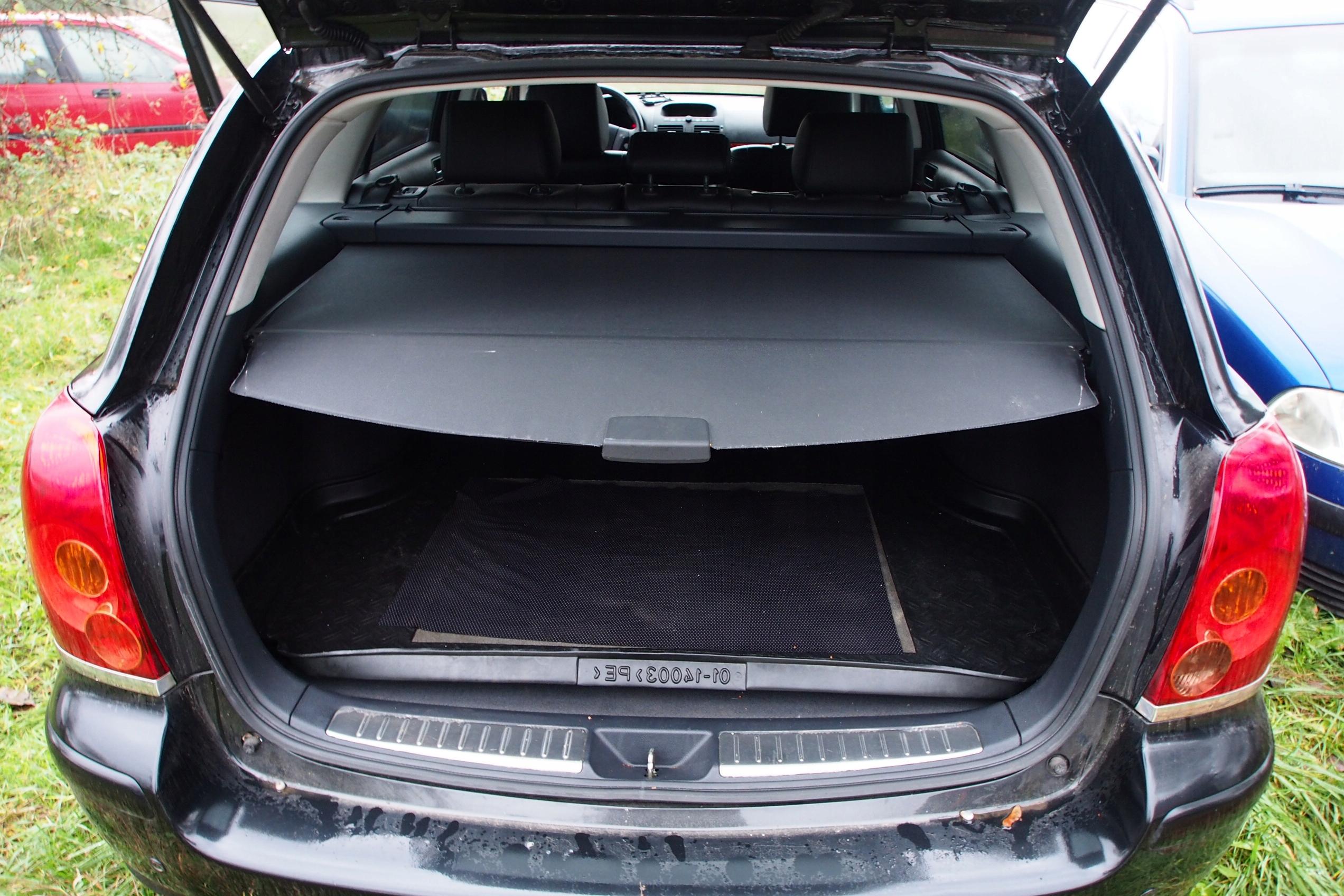W Mega Toyota Avensis T25 kombi Roleta bagażnika - 7670467365 - oficjalne NN02