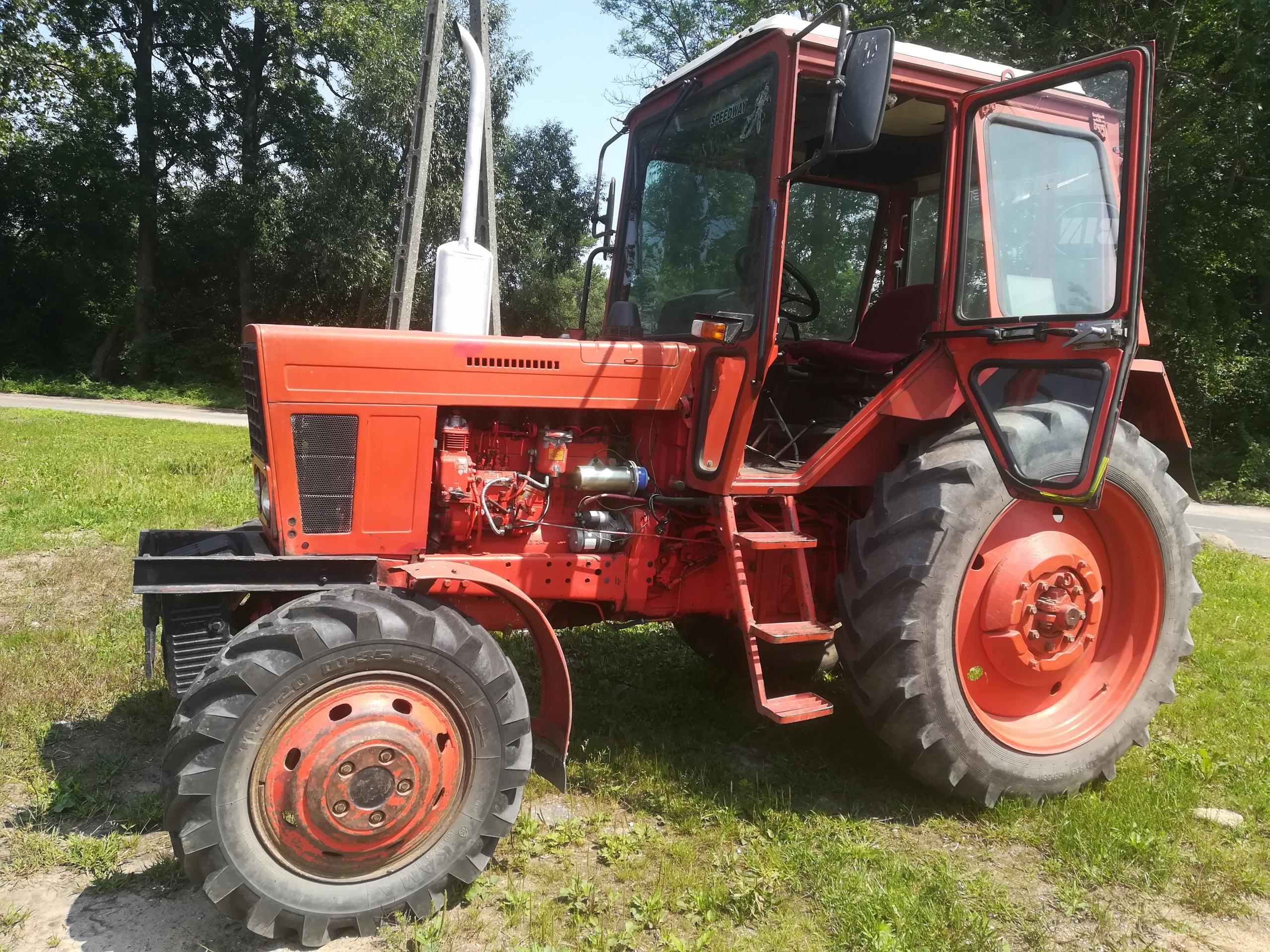 Ciągnik Belarus MTZ 82, maszyny rolnicze