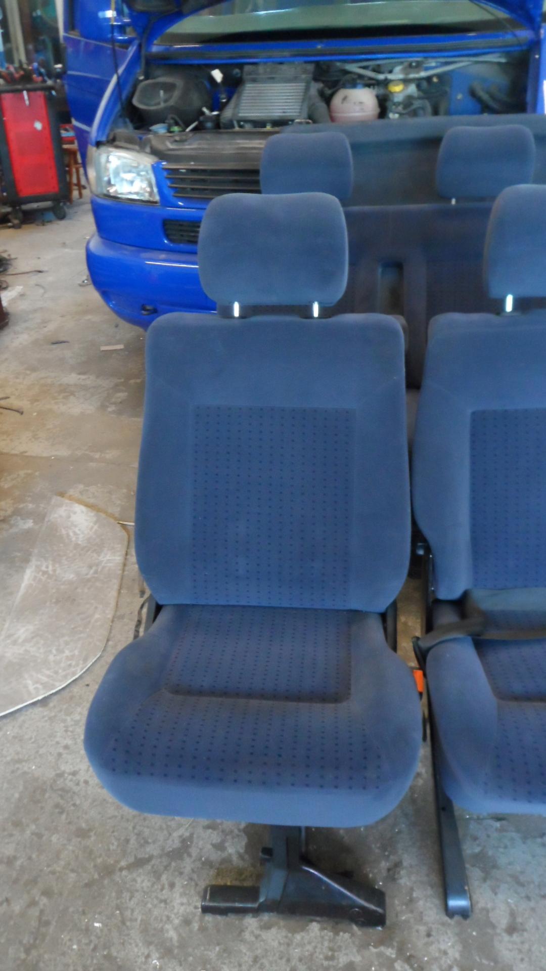 Vw T4 Caravelle Fotele Drugi Rząd Granatowe