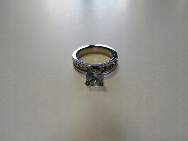 Złoty Pierścionek Zaręczynowy Na Prezent Lombard 7571934473
