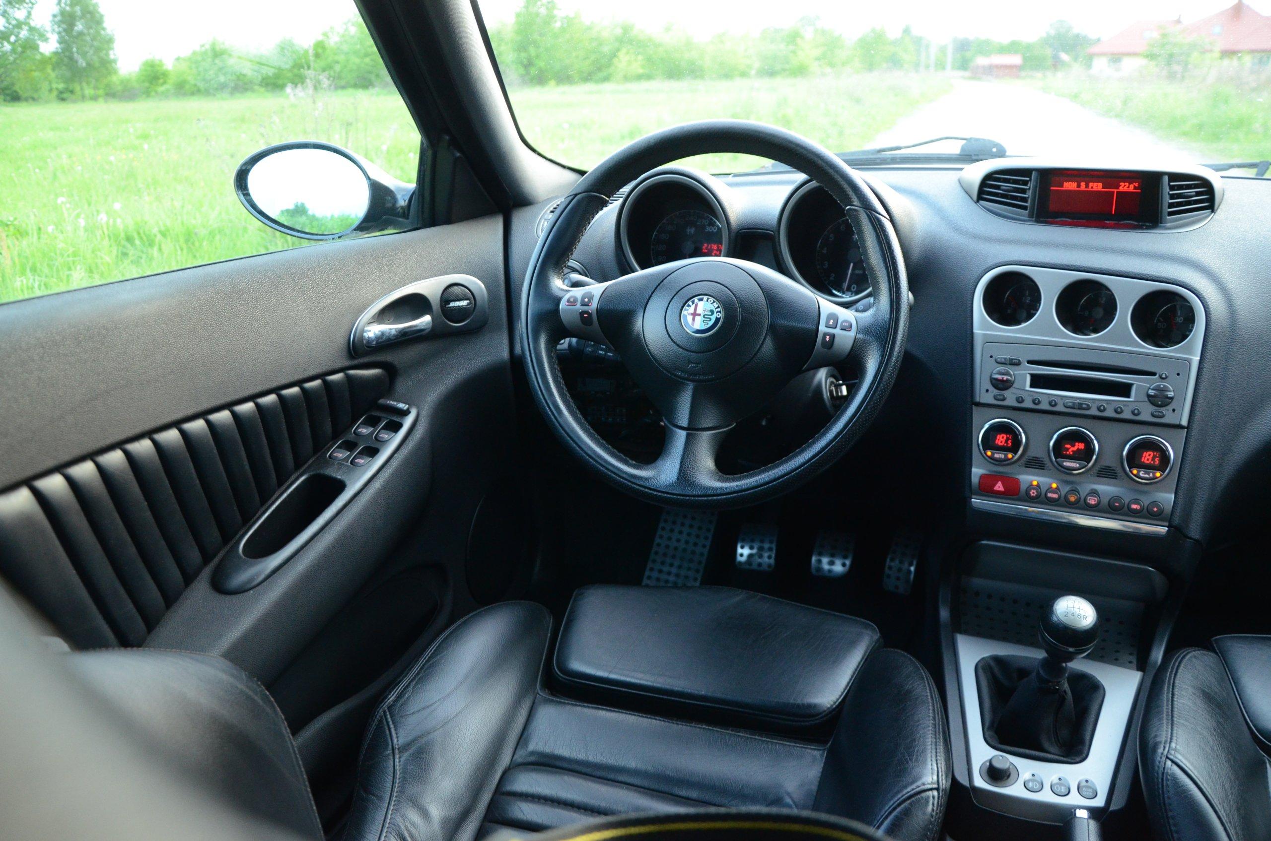 Alfa Romeo 156 GTA Sportwagon oficjalne archiwum allegro