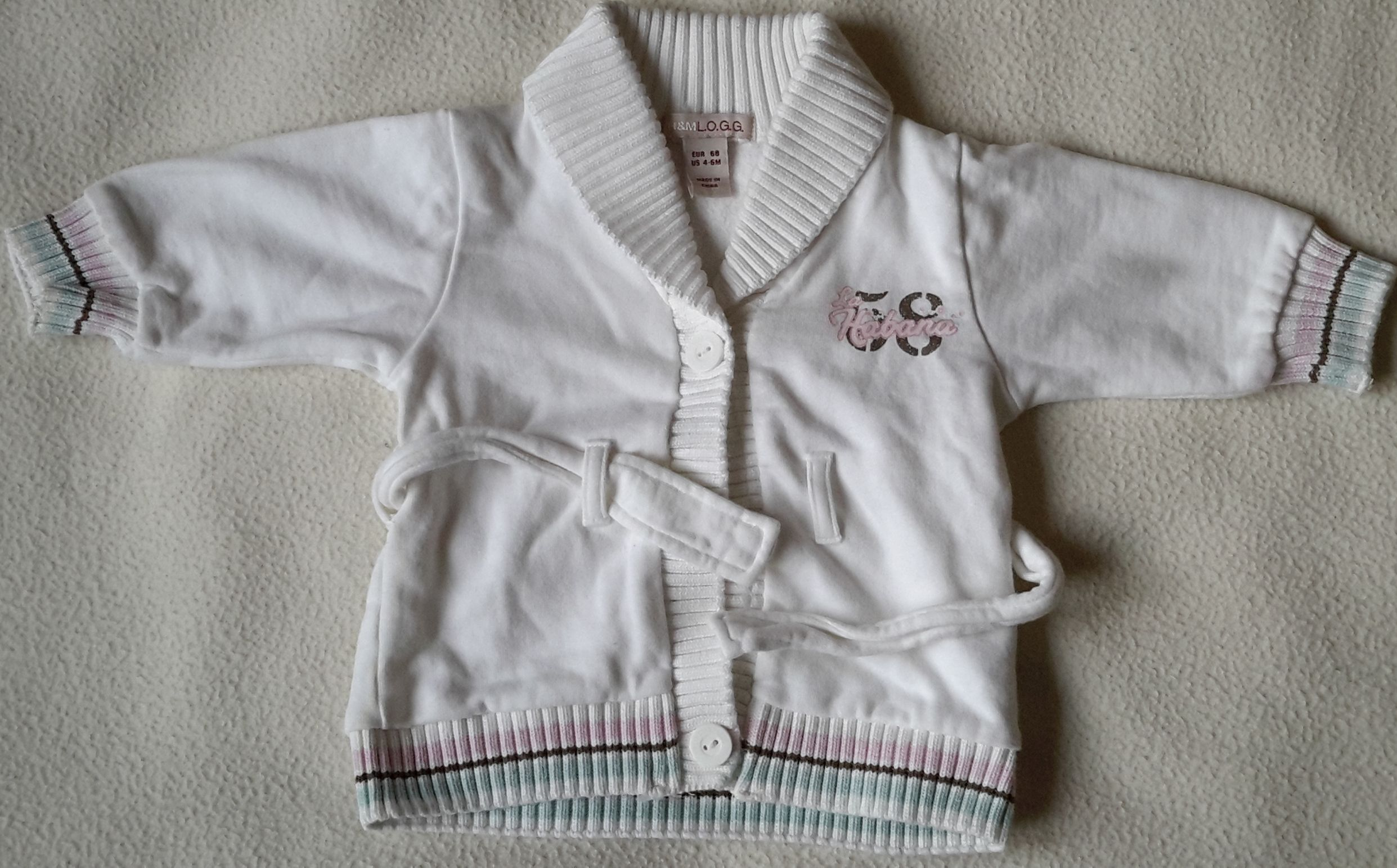 biała bluza 68