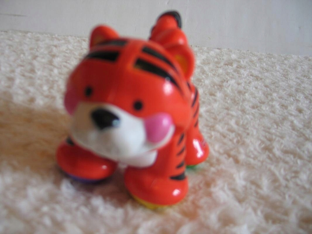 Tygrys AMAZING ANIMALS Fisher Price