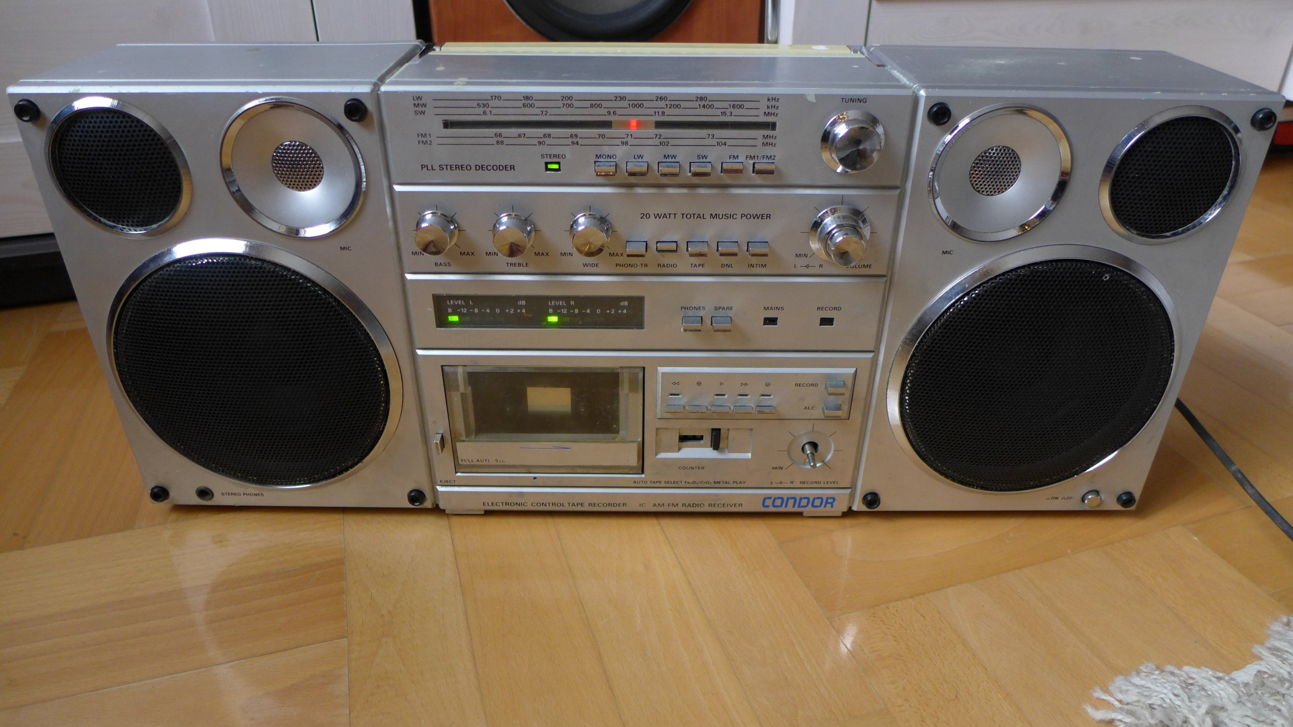 Fantastyczny Radiomagnetofon Condor RM 820S - 7145431869 - oficjalne archiwum RT14