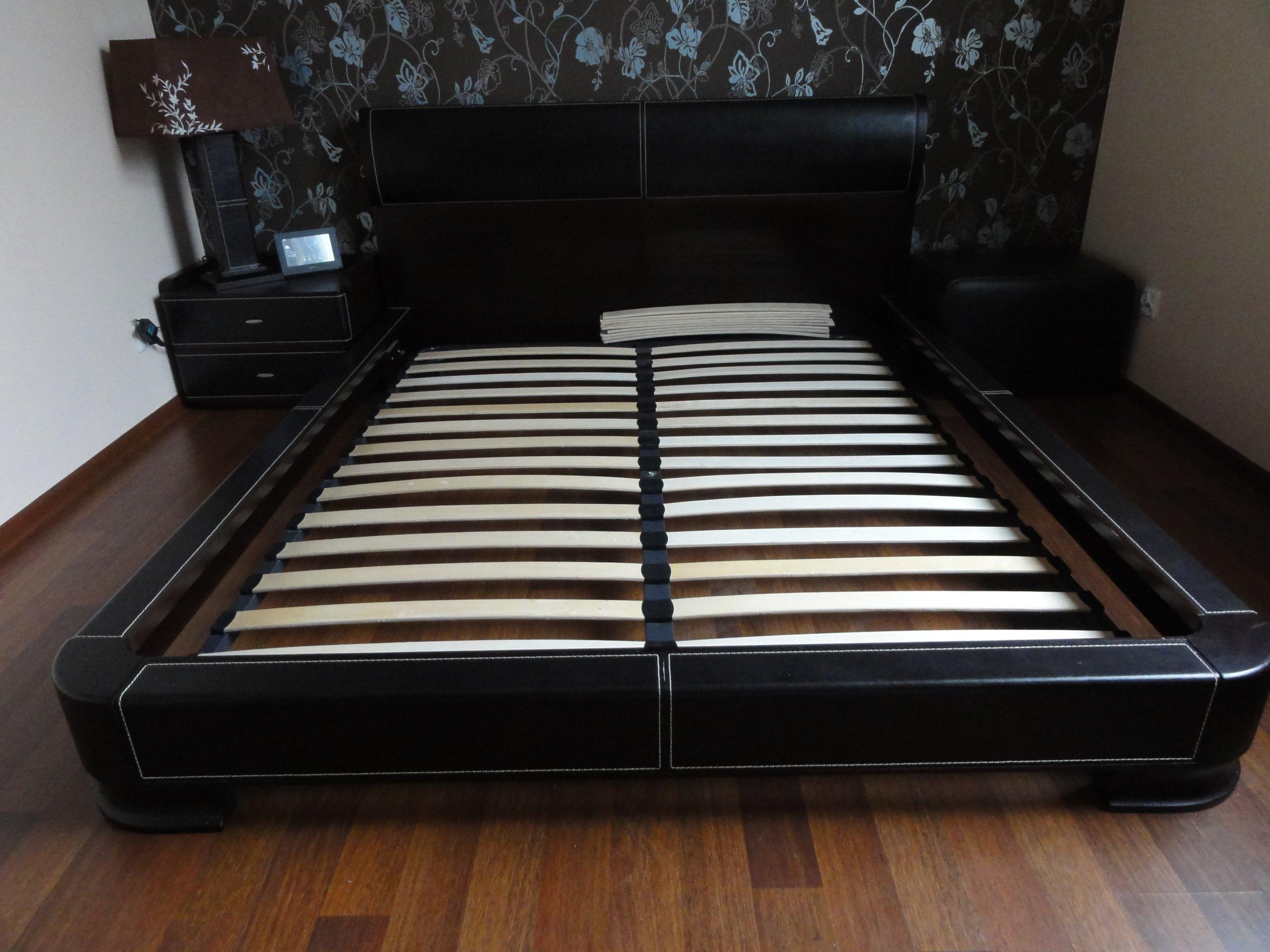 łóżko Do Sypialni Obite Skórą Vinotti Art Line