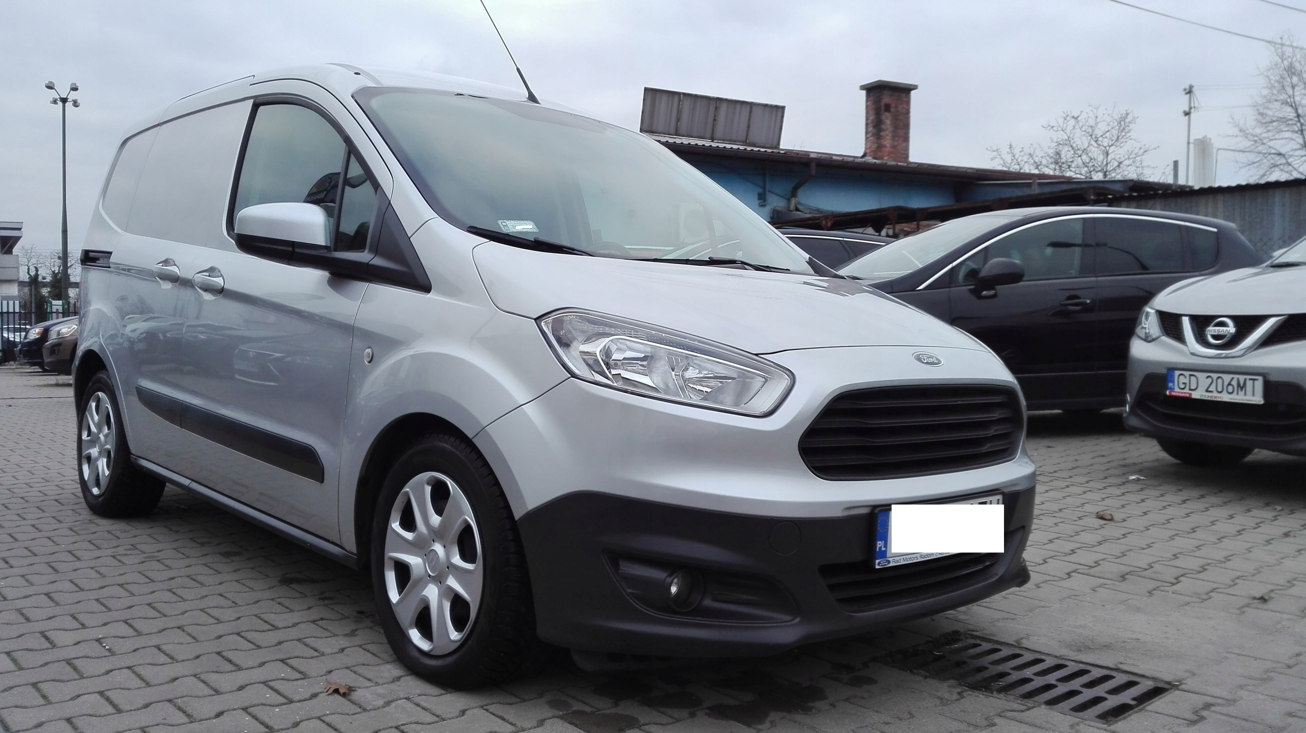 Ford Transit Courier Salon Polska