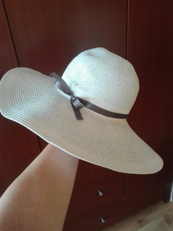 kapelusz biały plażowy lato