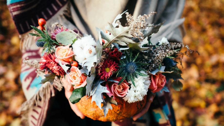 Jesienne Ozdoby Prosto Z Ogrodu Kwiaty Liście I Owoce Do