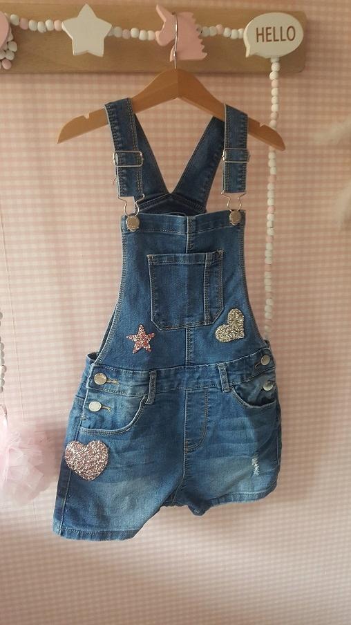 Jeansowe spodnie ogrodniczki dla dziewczynki 140