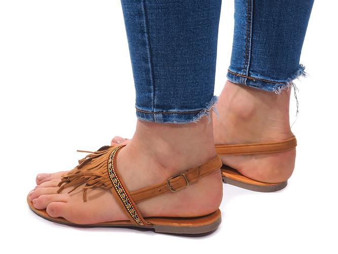 Czarne sandały na niskiej platformie Juliet Czarny