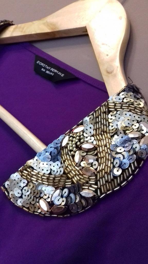 fioletowa sukienka mini cekiny 36 D.Perkins