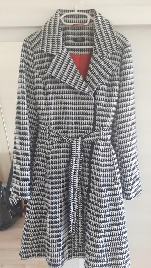 Płaszcz, płaszczyk w kratkę pepitkę F & F 36