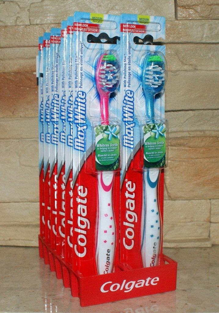COLGATE MAX WHITE Szczoteczka do Zębów MEDIUM