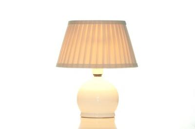 Ručne naberaný tienidlo, interiérové svetla od výrobcu.