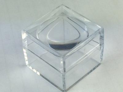 Pudełko z lupą ekspozytor na minerał meteoryt