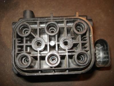 rozdzielacz zaworw kompresor audi A8 A6 Q7 allroad
