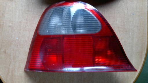 ROVER 200 LAMPA LEWY TYŁ HB