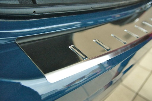 Nakładka z zagięciem na zderzak VW PASSAT B8